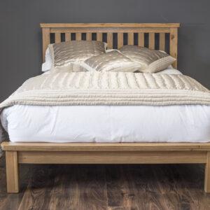 Manhattan Oak Bed